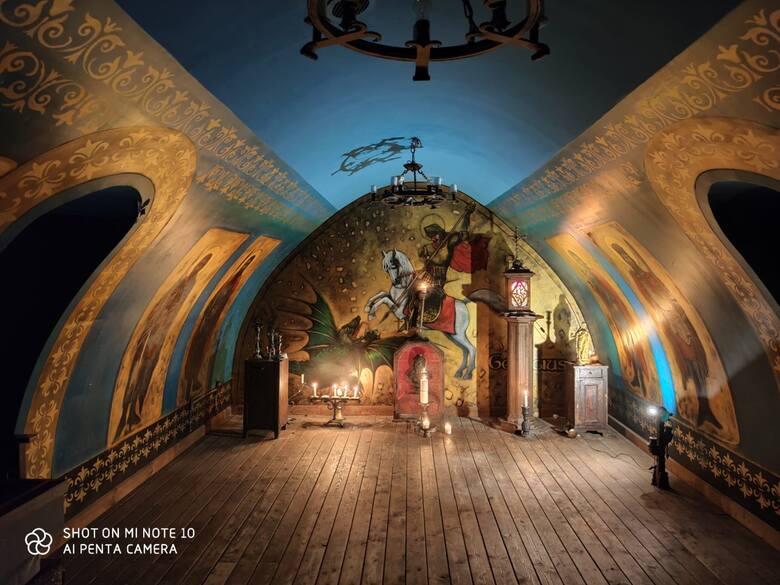 W Jantarowym Kasztelu w Kiermusach powstało Muzeum Oręża Polskiego