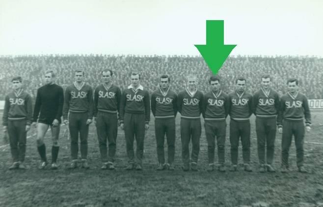 mecze: 1bramki: 0lata gry: 1966debiut: 3 grudnia 1966, Izrael - Polska 0:0 (wszedł w 46 min. za Andrzeja Jarosika)Hubert Skowronek to pierwszy w historii