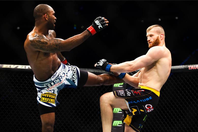 Walka Jan Błachowicz vs. Thiago Santos, UFC Fight Night 145 w Pradze. Transmisja na żywo w TV i ONLINE. O której początek gali, gdzie obejrzeć walki