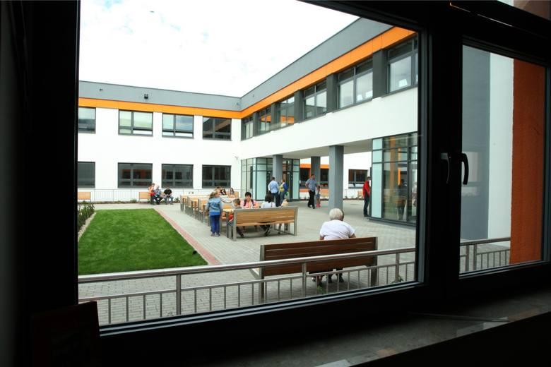 Pozytywna Szkoła w Kokoszkach zagrożona? Kurator wydała decyzję stwierdzającą nieważność powołania publicznej placówki