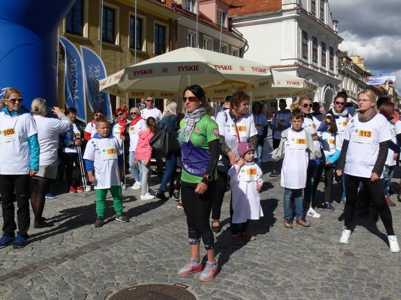 Mieszkańcy Sandomierza poszli spacerkiem po zdrowie. Na 30 minutowy spacer wybrało się 143 zawodników.
