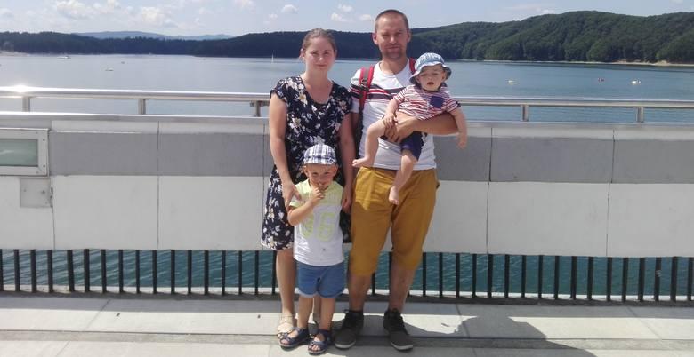 Tak Marta wyglądała przed wypadkiem. Szczęśliwa na zdjęciu z mężem i synami