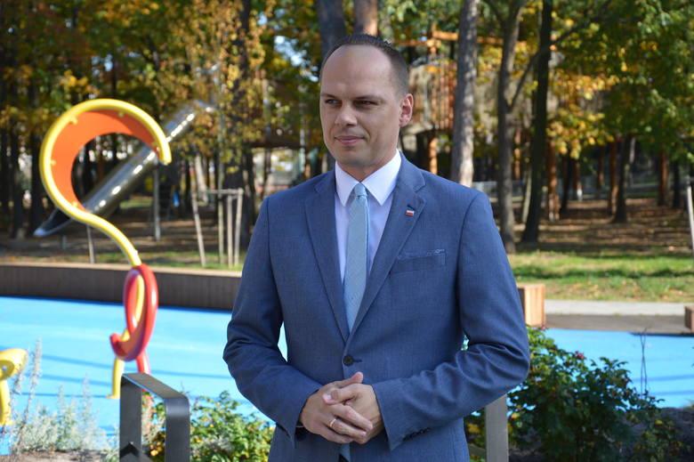 Wiceminister infrastruktury Rafał Weber jest także posłem