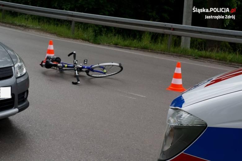 Jastrzębie-Zdrój: na skrzyżowaniu wjechała autem prosto w 64-letniego rowerzystę.Zobacz kolejne zdjęcia. Przesuwaj zdjęcia w prawo - naciśnij strzałkę