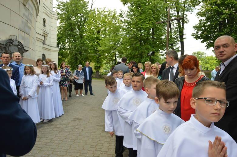 Pierwsza komunia święta w Kościele św. Jakuba w Skierniewicach [ZDJĘCIA]