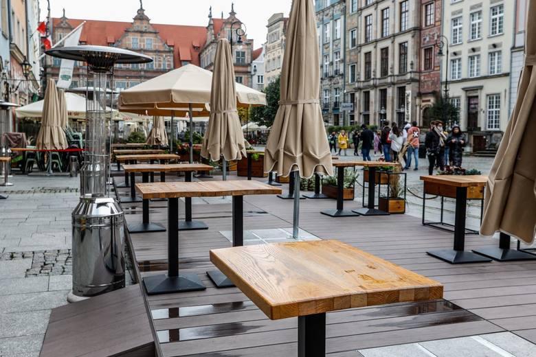Restauracje otwierają się mimo obostrzeń, licząc na przychylne wyroki sądówW poważnym kryzysie jest branża hotelarska i gastronomiczna. Restauratorzy