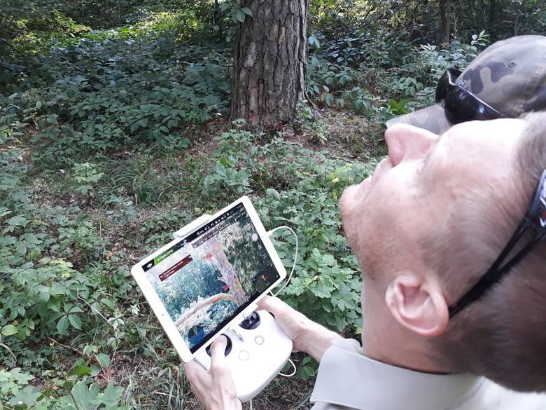 Leśnicy przy pomocy drona monitorują lasy