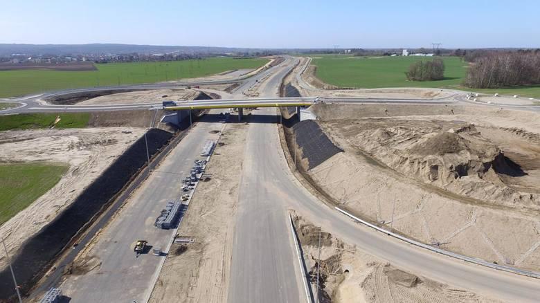 W naszym regionie trwa budowa obwodnicy Koszalina i Sianowa w ramach drogi ekspresowej S6. Zobaczcie najnowsze zdjęcia z lotu ptaka!Zobacz także Piotr