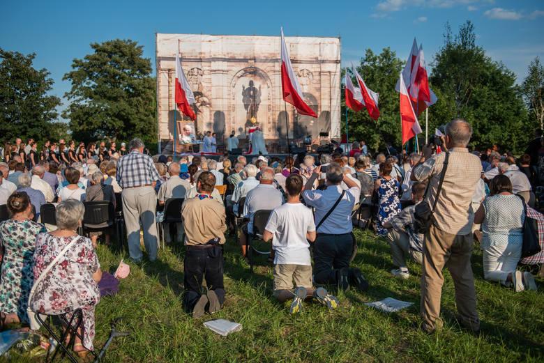 W niedzielę nad Maltą odbyło się nabożeństwo, które miało uczcić 21. rocznicę wizyty Jana Pawła II w Poznaniu. Niezwykłe było nie tylko miejsce, w którym