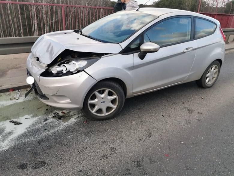 Zderzenie trzech aut na Szubińskiej w Bydgoszczy [zdjęcia]