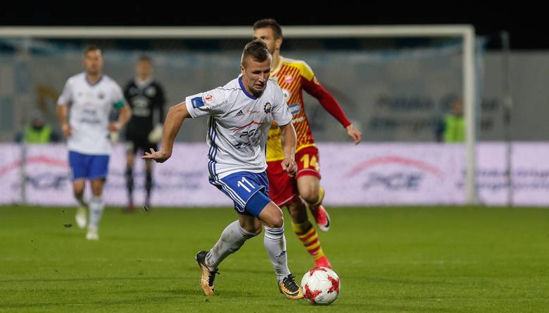 Stal Mielec w zaległym meczu podejmie Miedź Legnica.