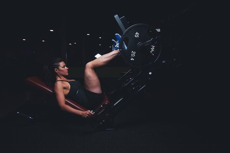 Ćwiczenia na siłowni. Po jakim czasie widać efekty?