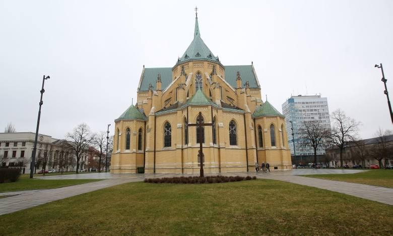 Diecezja łódzka znajduje sie na ostatnim miejscu w Polsce pod względem liczby osób chodzących na niedzielną mszę. Tak wynika z najnowszych kościelnych