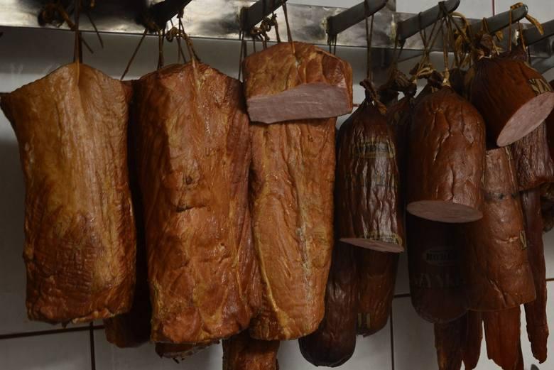 W czwartek (14 lutego) sprawdziliśmy ceny mięsa, wędlin, warzyw i owoców na ryneczku przy ul. Owocowej w Zielonej Górze. U niektórych sprzedawców pietruszka