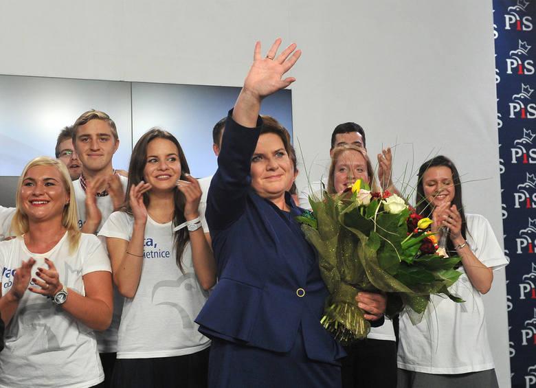 W poniedziałek Beata Szydło ma przedstawić skład swojego rządu. Większość nazwisk od kilkunastu dni pojawia się już w dziennikarskich spekulacjach, w