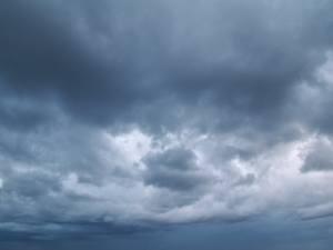 Pogoda na długi weekend - aura w kratkę (Mielno, Ustronie - widok z kamer)