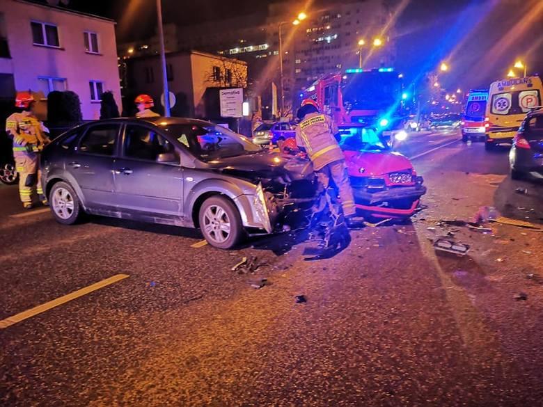 Zderzenie aut na ulicy Skłodowskiej-Curie (na wysokości Gajowej)