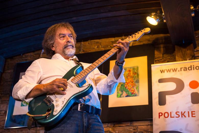 W Hard Rock Pubie Pamela występują czołowi artyści z Polski i zagranicy. Ostatnio na scenie klubu przy Legionów popis swoich umiejętności dał wirtuoz