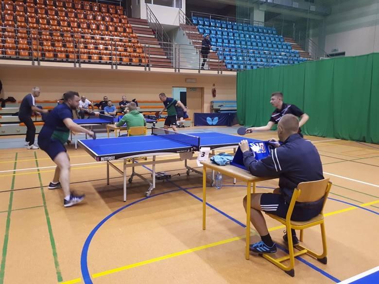 Liga tenisa stołowego. UKS Junior Miastko - Jedynka Bytów 10:2 (zdjęcia,wideo)