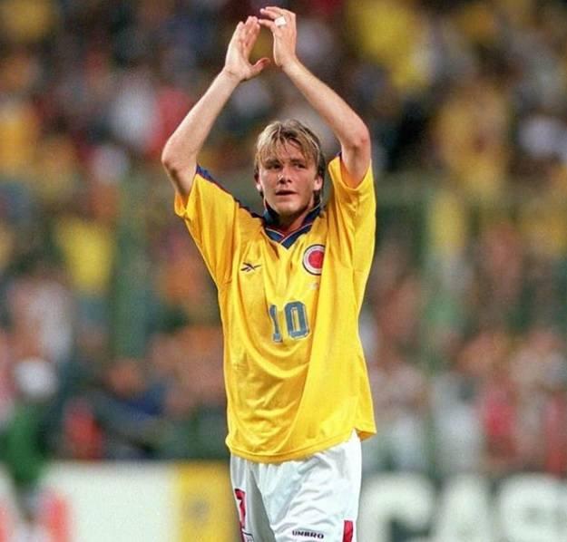 David Beckham w koszulce Carlosa Valderramy w 1998 r.