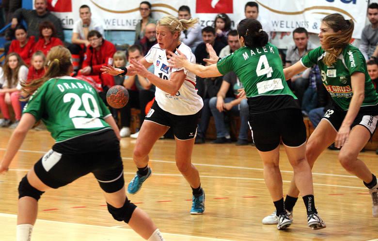 - Każda z nas nie może doczekać się tych meczów - przyznaje Monika Głowińska (z piłką), kapitan Pogoni.