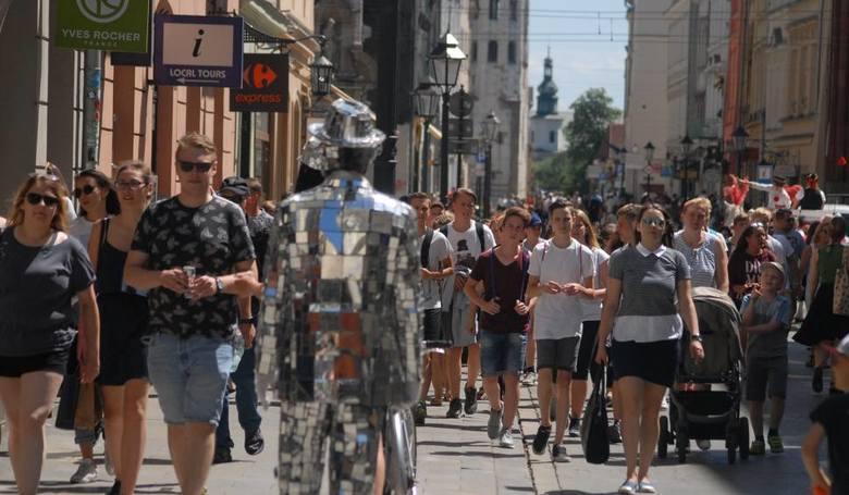 Stare Miasto, Kazimierz czy sanktuarium w Łagiewnikach. Kraków ma wiele perełek, które przyciągają turystów. Jedni przyjeżdżają, aby wypocząć, inni,