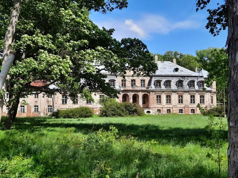XVIII-wieczny pałac w Minkowskiem. Został zbudowany w latach 1765-1784 dla pruskiego generała Friedricha Wilhelma von Seydlitza.