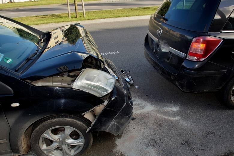 W poniedziałek po godzinie 15 doszło do kolizji na słupskim ringu. Na ulicy Rejtana zderzyły się dwa samochody osobowe. Nikt nie ucierpiał w zdarzen