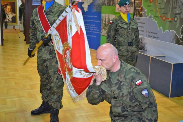 Uroczyste zaprzysiężenie nowego dowódcy opolskich logistyków.