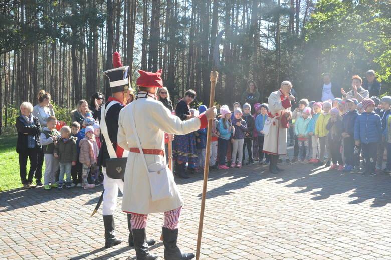 """W Połańcu odbył się festyn rodzinny i """"Kosynierskie podchody"""". Było mnóstwo atrakcji dla dzieci."""
