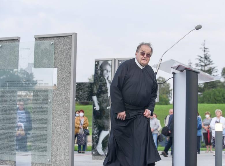 Ojciec Tadeusz Rydzyk w kwietniu stanie przed sądem
