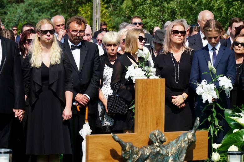 W środowe popołudnie odbył się na cmentarzu w Przeźmierowie, pogrzeb zmarłego przed tygodniem Jerzego Wiśniewskiego, prezesa firm PBG i Rafako. W uroczystości