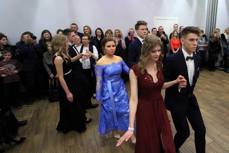 Studniówki 2018 w Lublinie. Bal III LO im. Unii Lubelskiej [ZDJĘCIA, WIDEO]