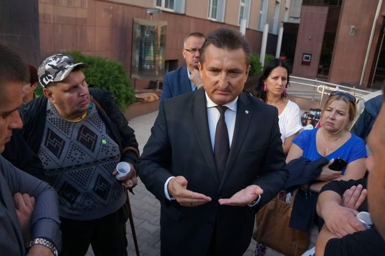 Ul. Mickiewicza. Krzysztof Kononowicz odwiedził protest rolników (zdjęcia, wideo)