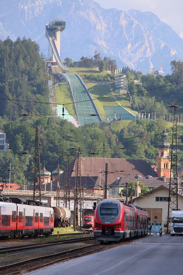 Link Pesy dla Deutsche Bahn przechodzi testy na torach przy skoczni w Innsbrucku [zdjęcie]