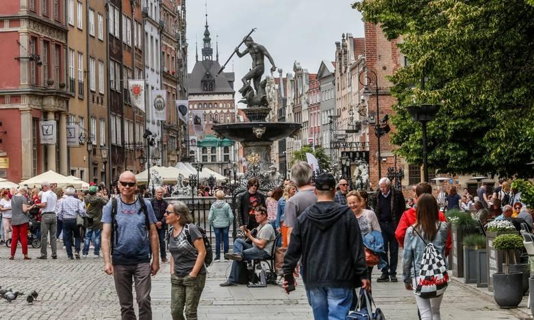 Gdańsk, 01.06.2019 r.1 098 431 osób odwiedziło Gdańsk w okresie od czerwca do sierpnia 2019 roku. Właśnie wtedy, po raz pierwszy w historii do Gdańska