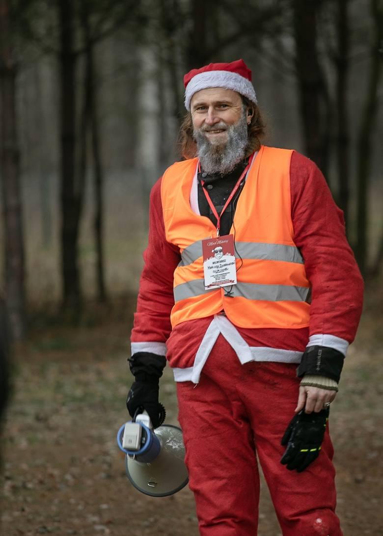 Motomikołaje w Polsce działają już kilkanaście lat. W Białymstoku organizujemy właśnie siódmą edycję tej akcji. Każdy region, każde miasto robi to po swojemu. A jednak idea jest podobna. Zawsze pomagamy dzieciom, przeważnie z domów dziecka - mówi Mariusz Dobrowolski, koordynator Motomikołajów.