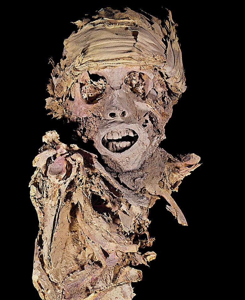 """Wykopaliska na nekropoli Asasif. Wyniki prac możemy zobaczyć na wystawie """"Tajemnice egipskich grobowców"""" we wrocławskim  Muzeum Archeologicznym."""