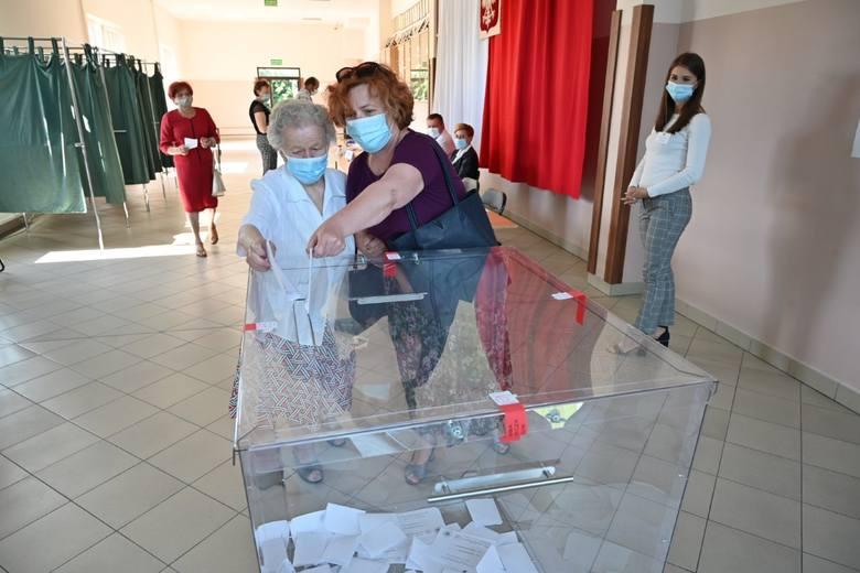 Niedzielne głosowanie w Jędrzejowie
