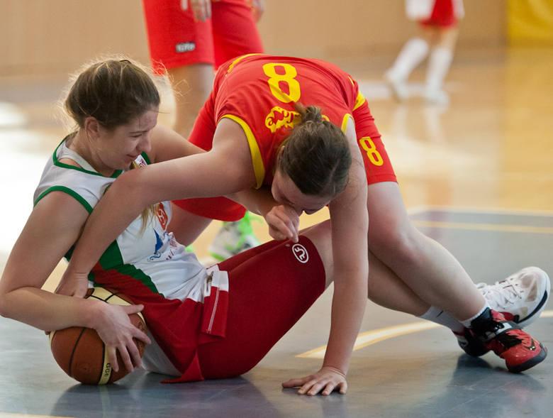 Turniej koszykarek w Brzegu [zdjęcia]