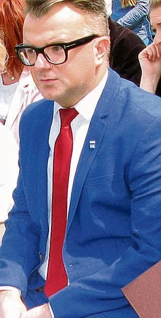 Kierowca burmistrza Żnina miał zadać ciosy jego doradcy