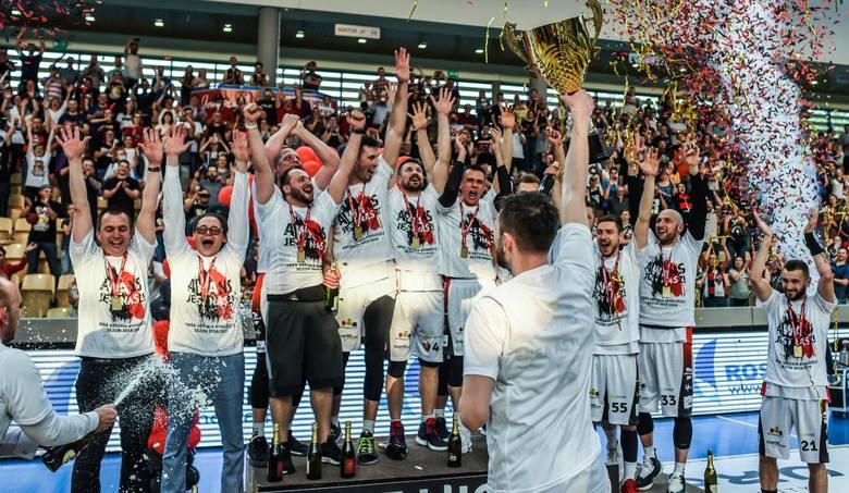 Enea Astoria od poniedziałku szykuje się do Energa Basket Ligi. Klub zapewne będzie chciał zostawić kilku zawodników, ale wzmocnienia są niezbędne, bo
