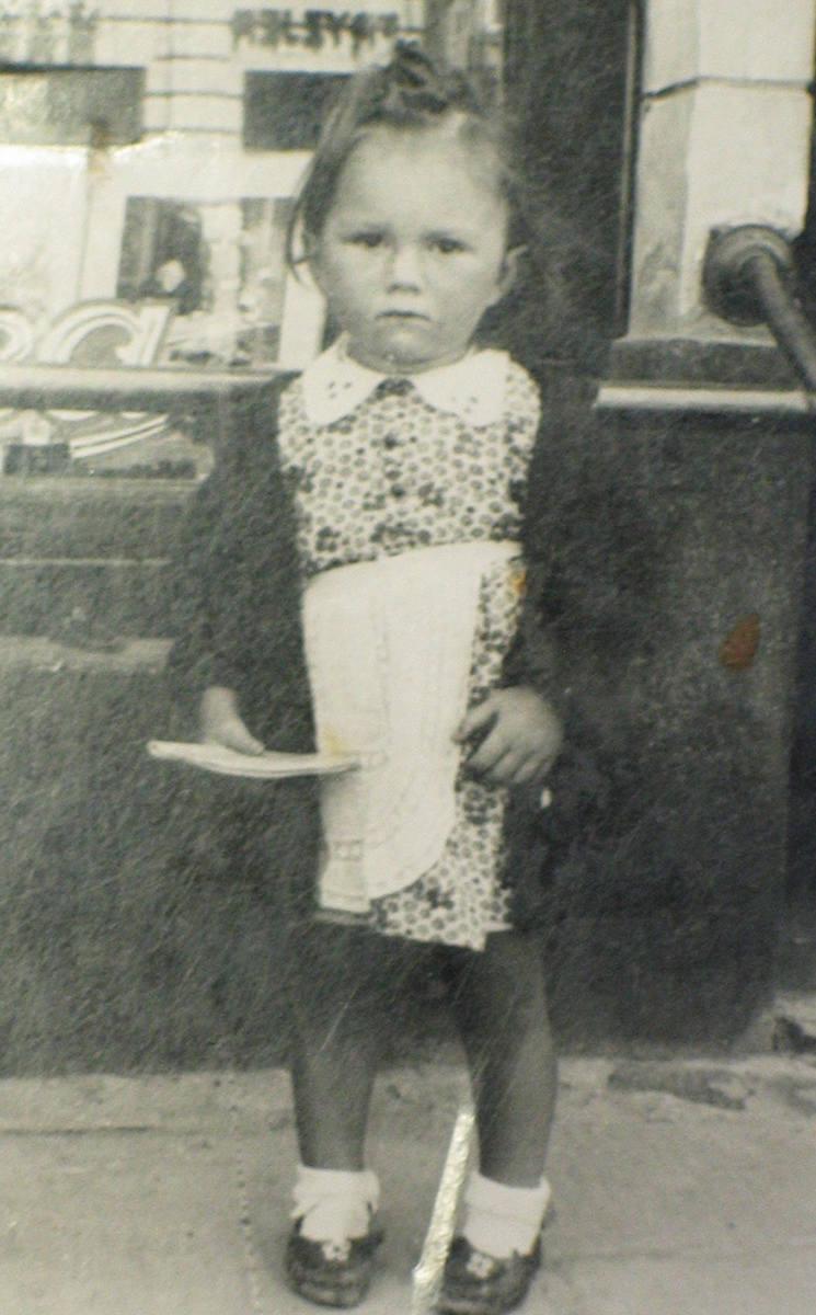 To ja, Michalina (tak zapisano mnie w dokumentach) na krótko przed wybuchem wojny