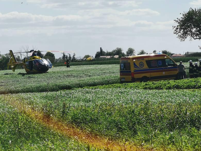 Do zdarzenia doszło po godzinie 14 w miejscowości Krępiny w gminie Fabianki w powiecie włocławskim.Na dwójkę bawiących się dzieci osunęła się ziemna