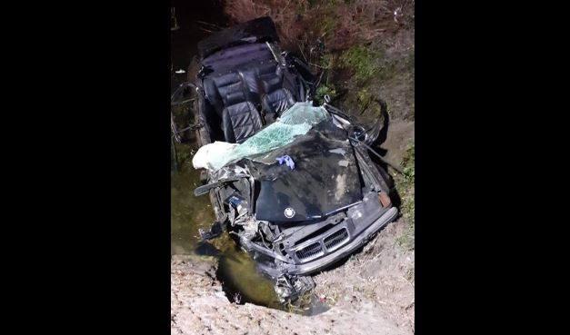 ak wynika z ustaleń policji, 21-letni kierowca samochodu bmw na tomaszowskich numerach rejestracyjnych nie dostosował prędkości do warunków na drodze,