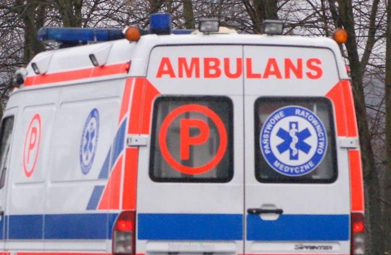 Agresywny pacjent zaatakował ratowników medycznych w Joachimowie Mogiłach w powiecie skierniewickim. 27-letni mężczyzna miał grozić nożem ratownikom – skierniewicka policja nie potwierdza tego faktu, ale i nie zaprzecza.