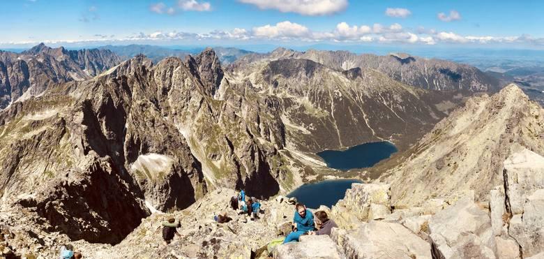 Tatry Wysokie - Dolina Pięciu Stawów PolskichMnóstwo szlaków turystycznych:- szlak turystyczny zielony – zielony Doliną Roztoki nad Wielki Staw od schroniska