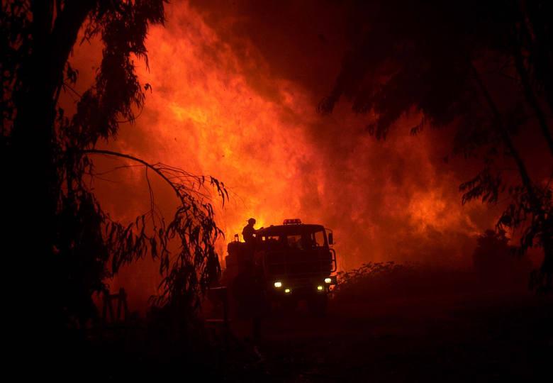 Pożar gasiło 10 zastępów straży.