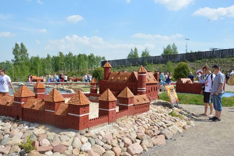 We wtorek, 1 maja odbyło się uroczyste otwarcie najnowszej atrakcji Bałtowskiego Kompleksu Turystycznego w powiecie ostrowieckim - Polski w Miniaturze.