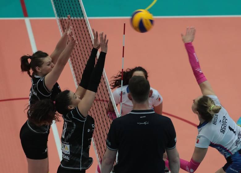 Developres Rzeszów pokonał na wyjeździe Chemik Police w pierwszym meczu o 3. miejsce Ligi Siatkówki Kobiet.